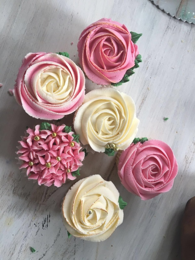 Roses and Hydrangea Cupcakes