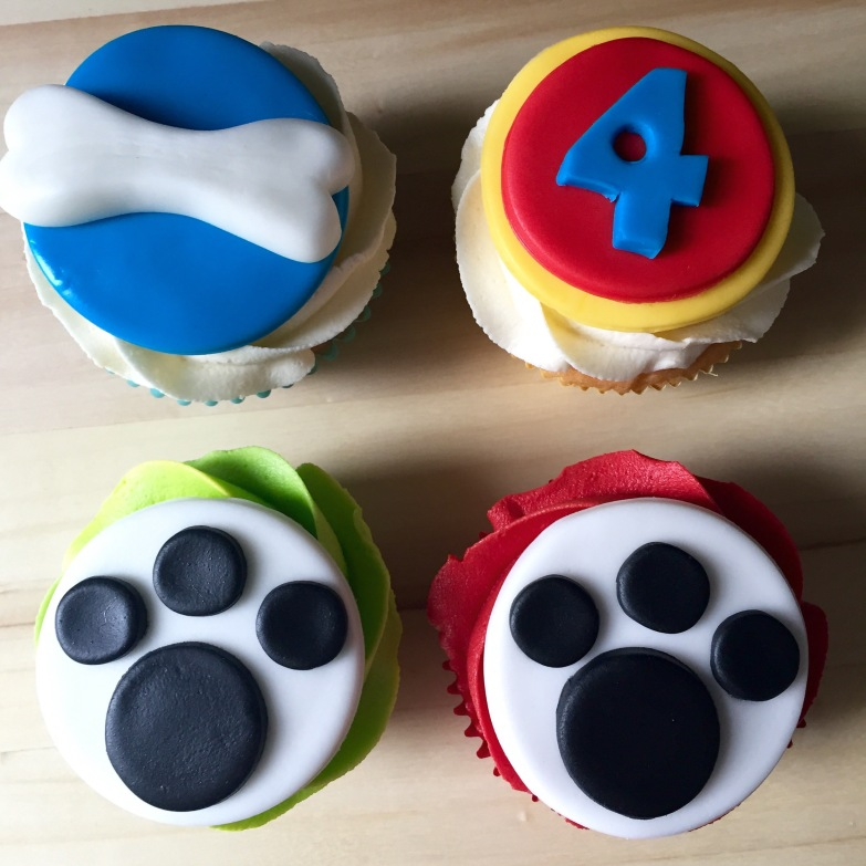 Paws themed cupcakes!